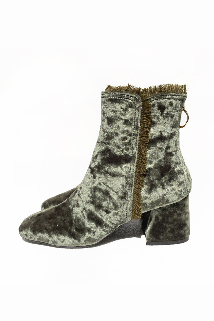 BACK ZIPPER VELVET BOOTS