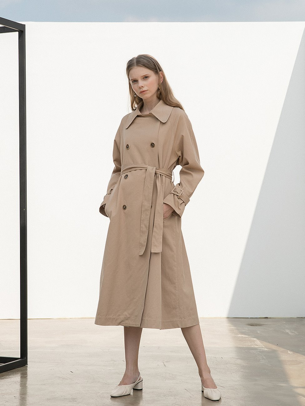 Wide Collar Trench Coat Beige