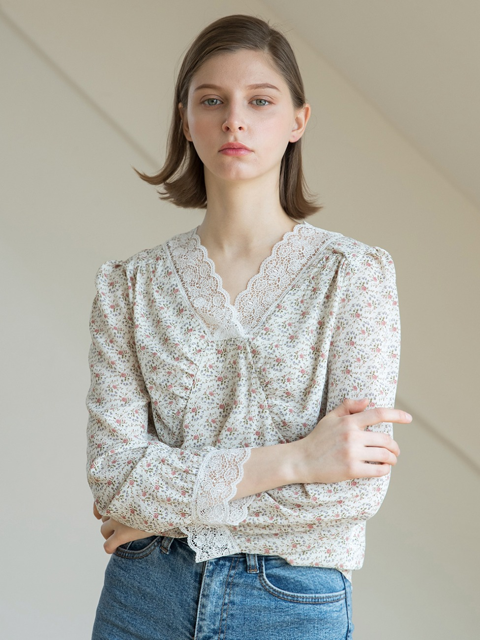 Lace Flower Blouse Ivory